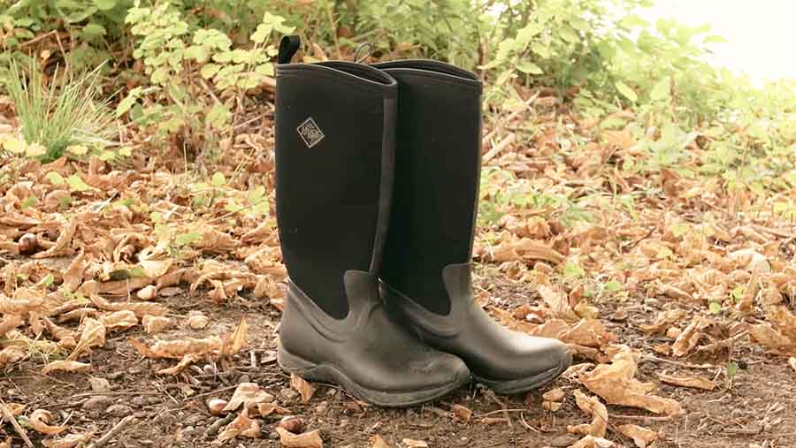 how-to-clean-muck-boots