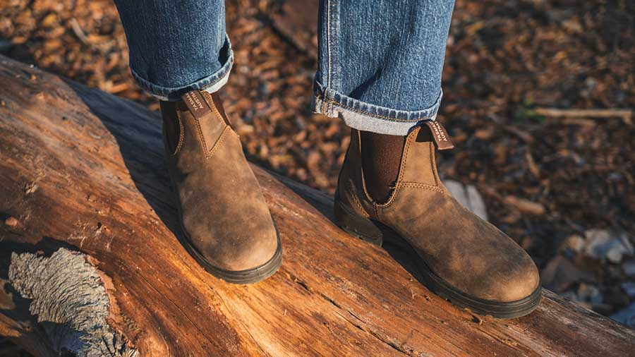 how-to-stretch-blundstones
